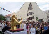 Pelerinaj cu relicvele si bustul aurit ale Sf. Anton de Padova. - Biserica Sfanta Tereza a Pruncului Isus #2