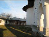 Peretele nordic al bisericii - Manastirea Glavacioc #7