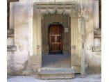 Portalul intrarii în pridvor la biserica manastirii, 2007 - Manastirea Gura Motrului #3