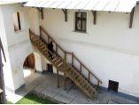 Casa staretiei- scara exterioara si foisorul - Manastirea Gura Motrului #7