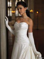 Coafuri si machiaj mirese, primavara-vara 2011 - Mireasa moncheri bridals #7