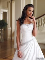 Coafuri si machiaj mirese, primavara-vara 2011 - Mireasa moncheri bridals #12
