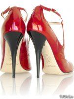 Pantofi Jimmy Choo si Brian Atwood …