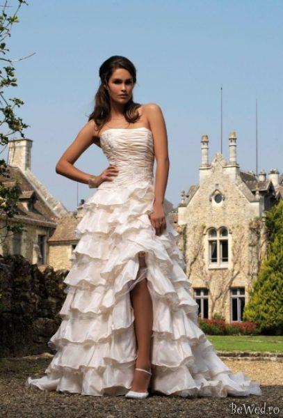 Свадебные платья с разрезом фото 11
